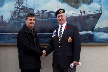 Johannsen with a distinguished veteran